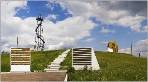 Изготовление памятников в октябрьском башкортостан памятник цена новосибирск цена фанеры